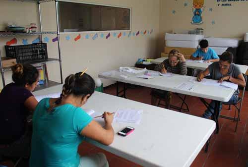 INEA: Apoyo continuo para el aprendizaje de la lectura y la escritura, tanto en jóvenes y adultos.